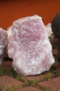 toorkivi-roosa-kvarts-suur-klaarsus (2)