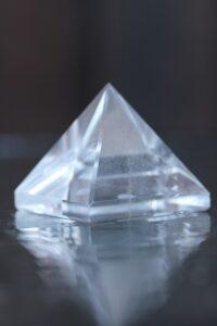 püramiid-mäekristall-klaarsus (1)