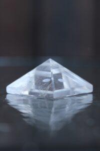 püramiid-mäekristall-klaarsus (2)