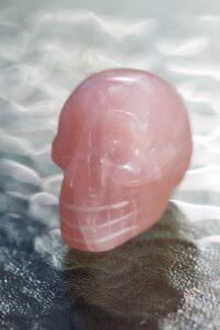 kristallpealuu-kristallkolp-roosa-kvarts (1)